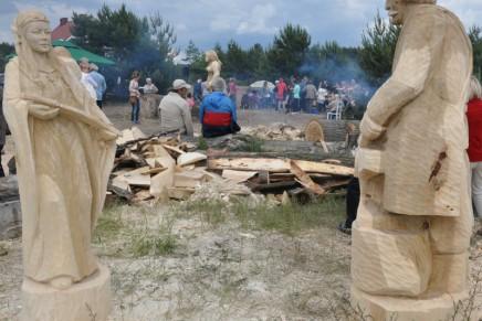 Plener rzeźbiarski pamięci Waldka Styperka w podgrudziądzkiej Rudzie