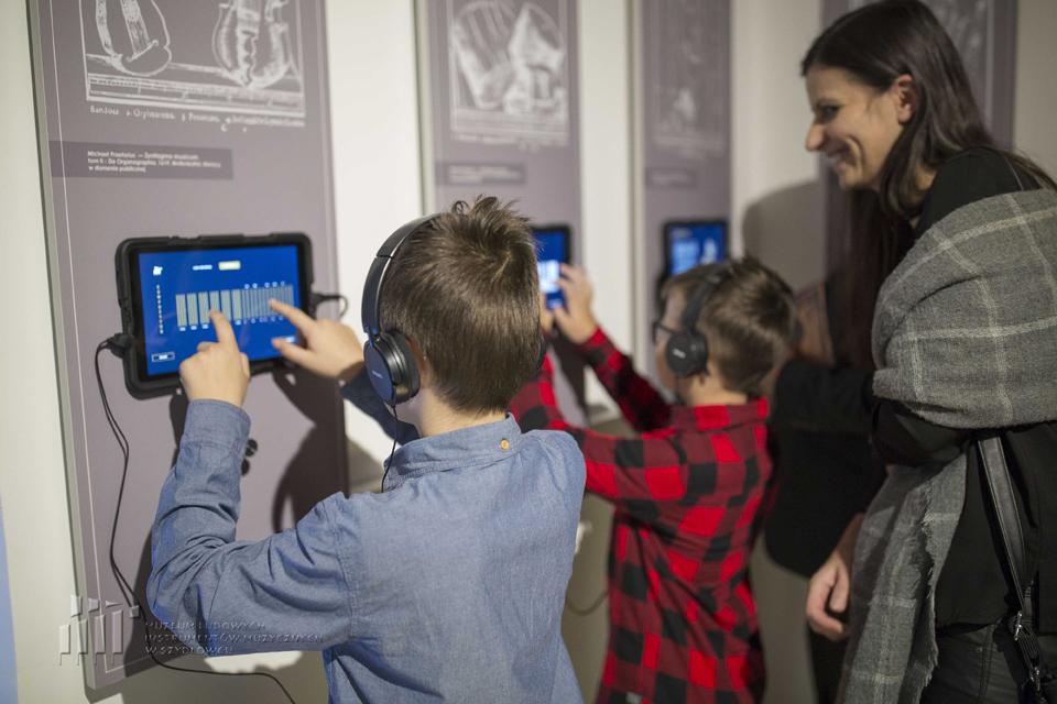 Otwarcie nowej wystawy stałej w Muzeum Ludowych Instrumentów Muzycznych w Szydłowcu, fot.  Aleksandra Kielichowska