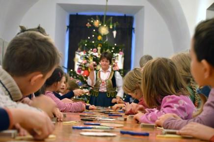 Warsztaty bożonarodzeniowe w Akademii Sztuki Ludowej
