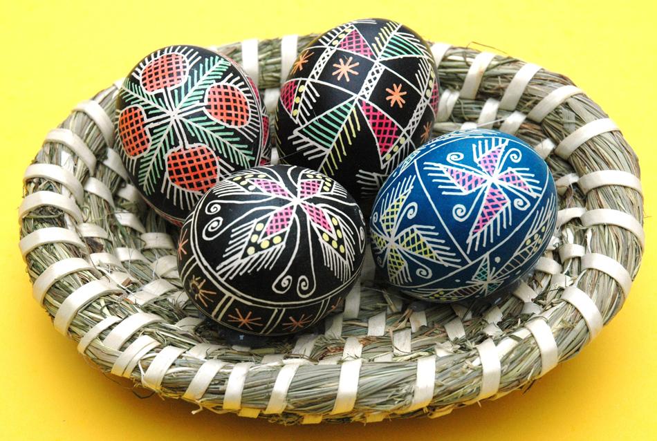 Wielkanocne pisanki, kroszonki, oklejanki