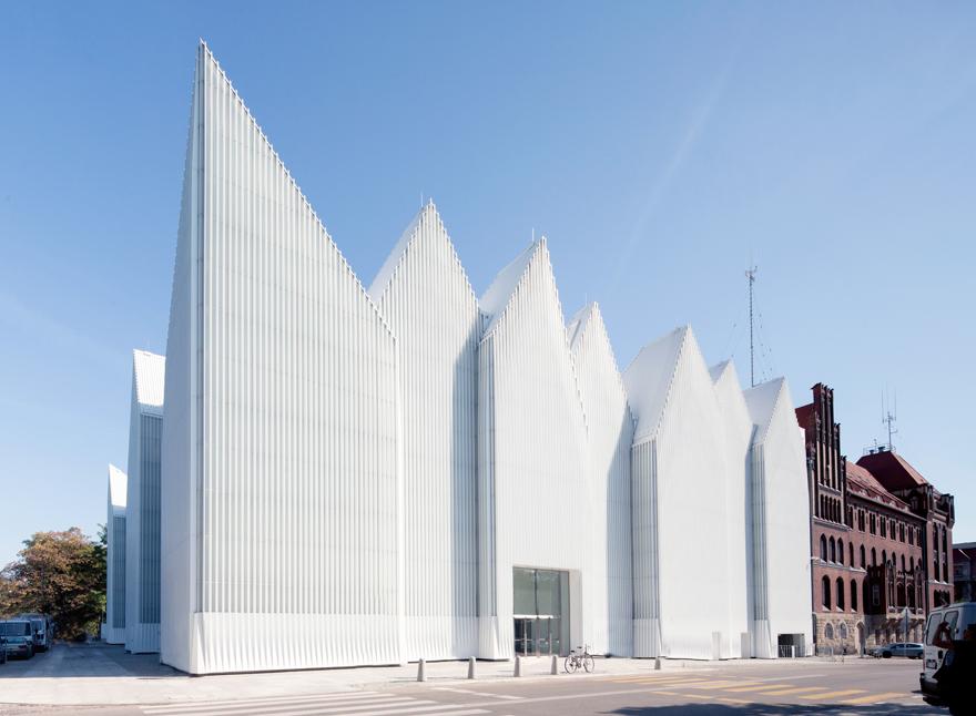 Filharmonia w Szczecinie z zewnątrz, fot. Filip Kacalski
