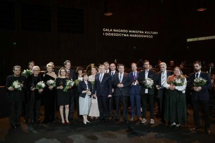 Zakopiańska malarka ludowa Marta Walczak-Stasiowska wśród laureatów Dorocznej Nagrody Ministra Kultury