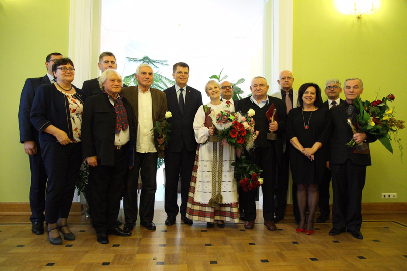 Tegoroczni laureaci Nagrody Marszałka Województwa Podlaskiego, fot. www.wrotapodlasia.pl