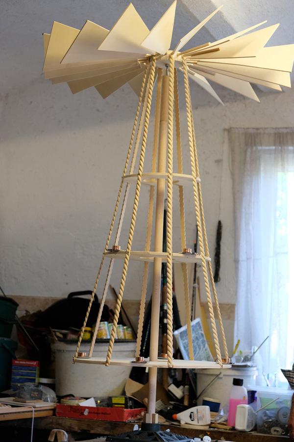 Naga piramida ze skrzydłami. Warsztat pana Dziumbli, fot. Justyna Michniuk