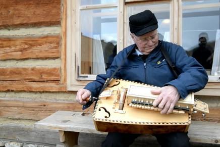 Otwarcie pracowni lutniczej Stanisława Wyżykowskiego w sanockim skansenie