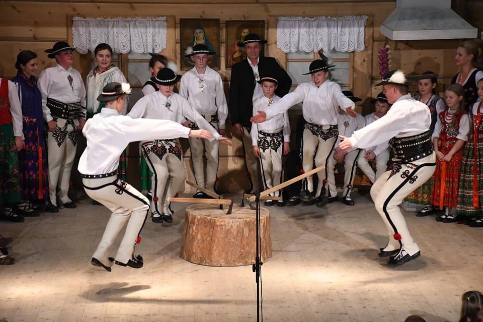 Występ zespołów regionalnych z Białki Tatrzańskiej