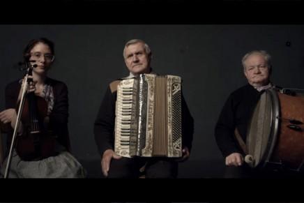 """""""W Drodze"""" – film o kapeli Dobrzeliniacy dostępny online"""