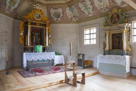 Otwarcie zabytkowego kościoła z XVIII w. w skansenie w Kłóbce